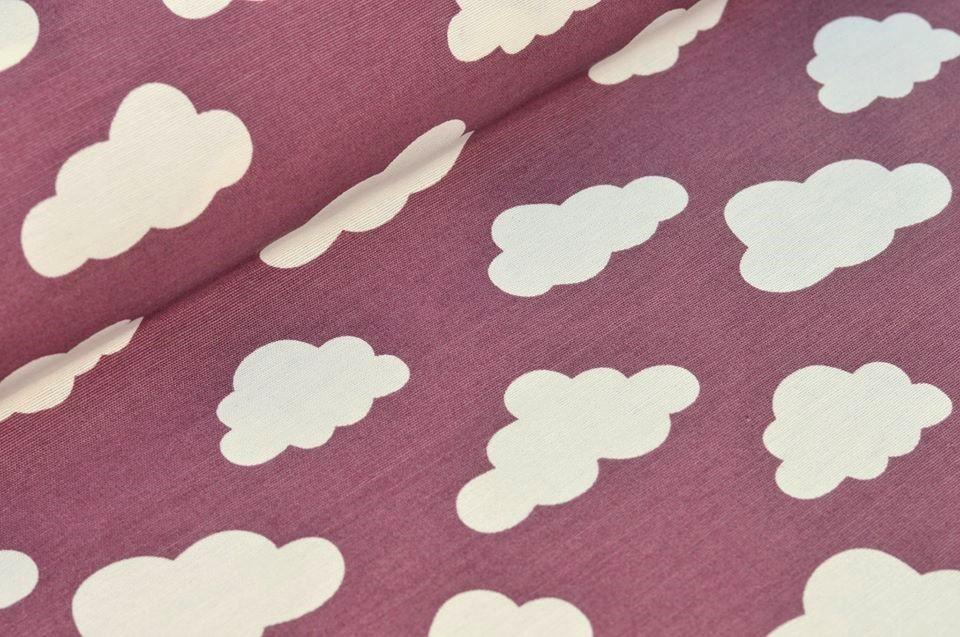 Dekostoff altrosa mit weißen Wolken