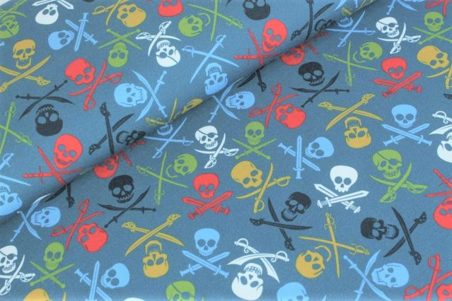 "Sommersweat angeraut ""Pirate Skulls"" - jeansblau"