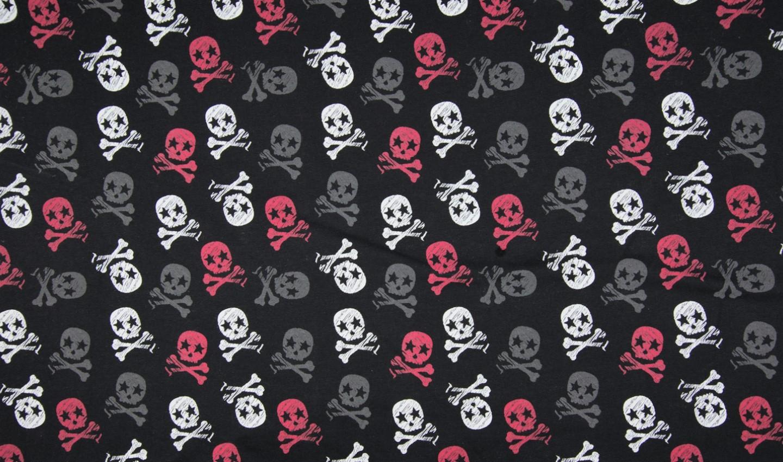 Sommersweat mit rot/grau/weißen Skulls - schwarz