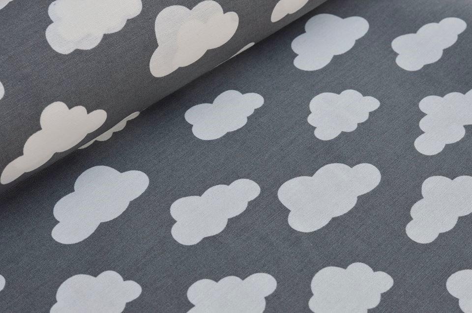 Dekostoff grau mit weißen Wolken