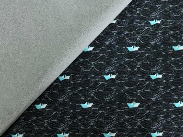 Softshell grau/schwarz mit Papierschiffen