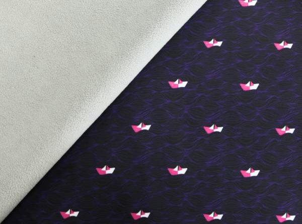 Softshell lila/schwarz mit Papierschiffen