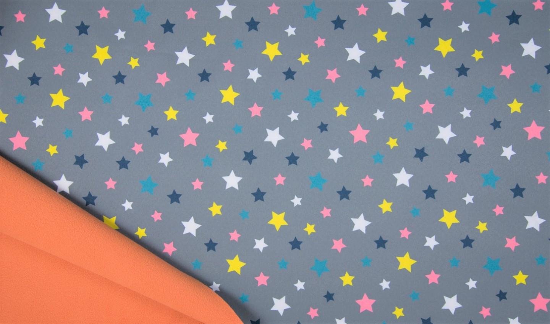 Softshell grau mit bunten Sternen