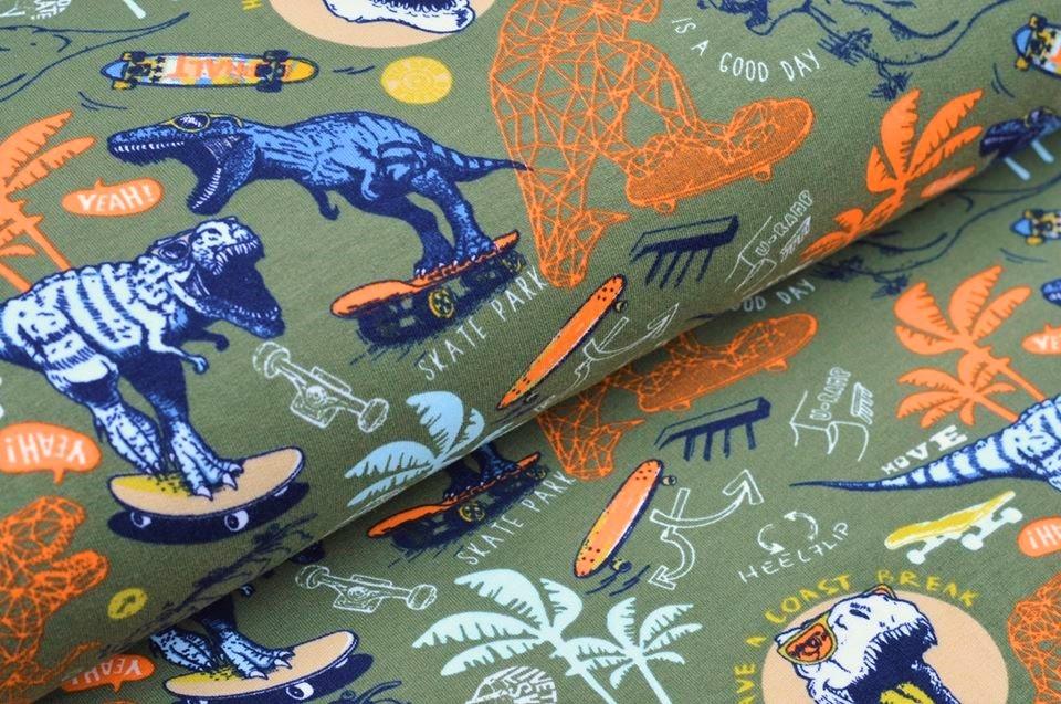 Softsweat angeraut Organic Cotton khaki mit Dinos auf Skateboards